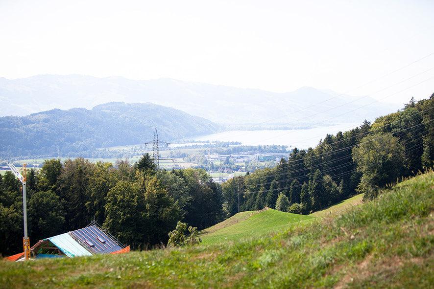 Sicht auf den Zürichsee vom Hof
